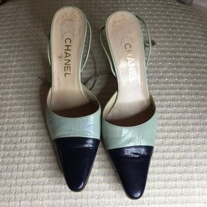 CHANEL SHOES Size 38. Made in Italy.